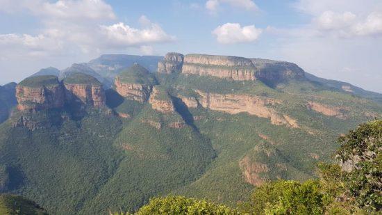 מבטיחים הרים וגבעות